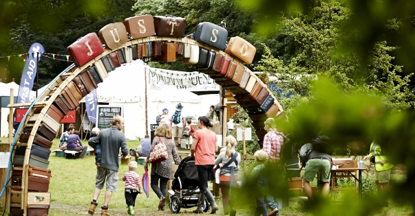 Families arriving at Just So Festival – Photo: Just So Festival / TenEight Studios